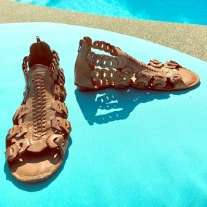 MIA Tan Gladiator Link Sandals size 7